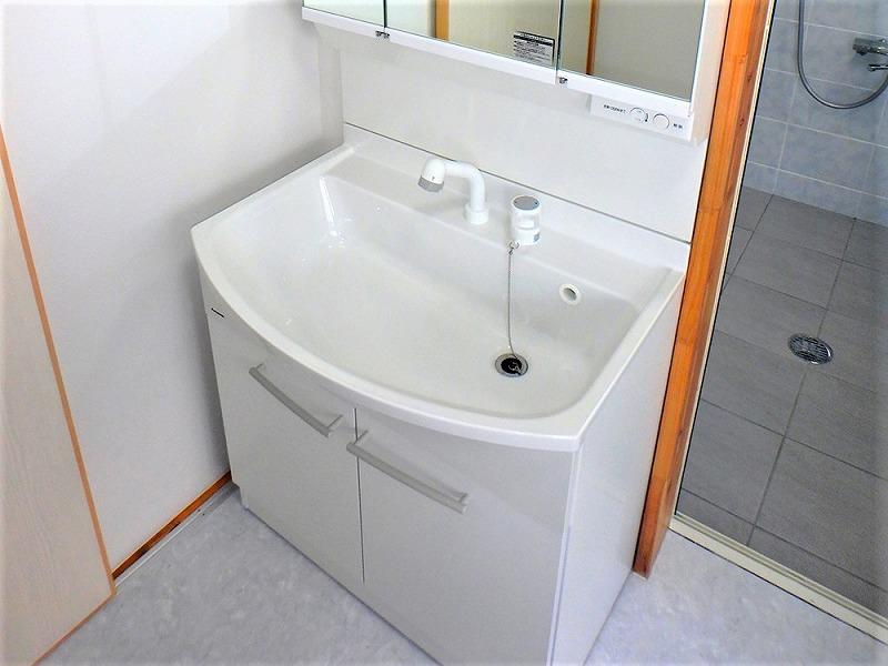 洗面台リフォーム ビフォーアフター〈脱衣所〉 After写真