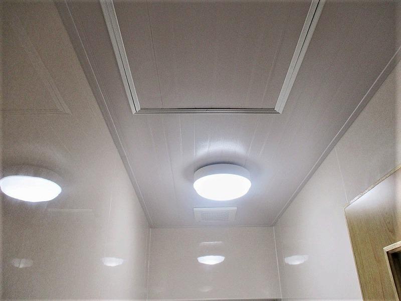 【7】天井・換気扇・照明・点検口取り付け