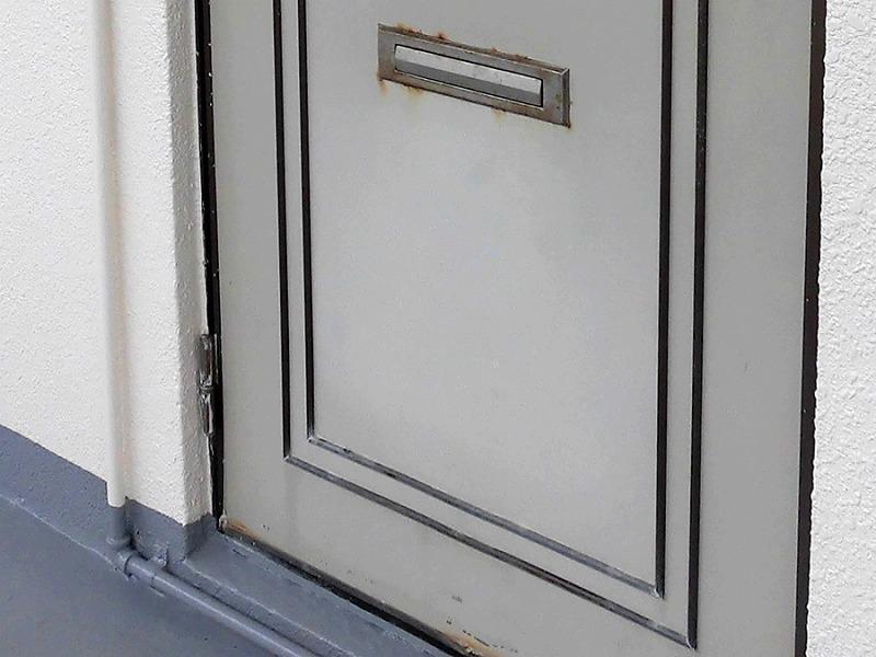 外構リフォーム ビフォーアフター〈玄関ドア〉 Before写真