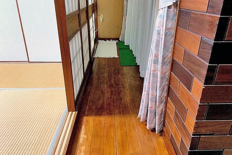 1階廊下の床張替え Before写真