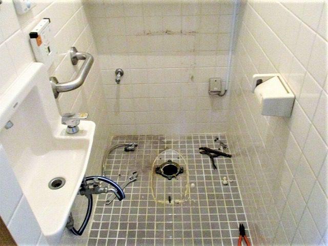 3:トイレ撤去