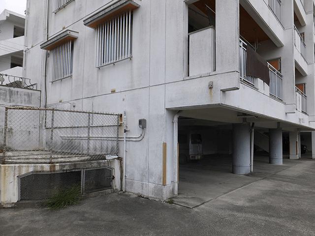 外壁塗装 ビフォーアフター〈建物全体〉 Before写真