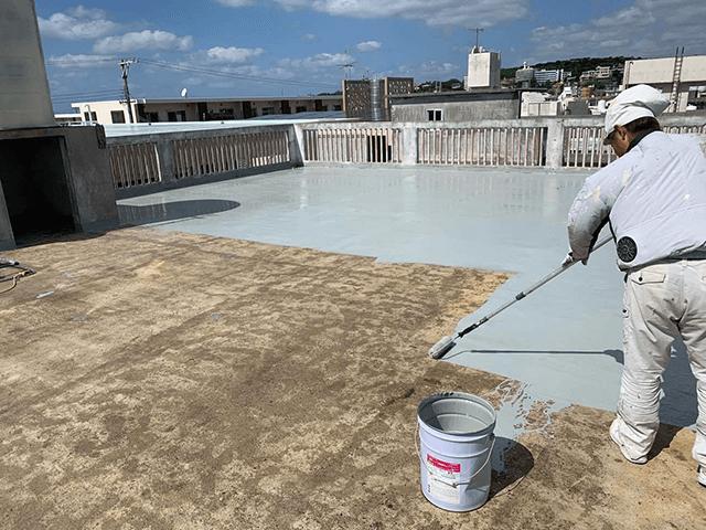 【5】屋上中塗り作業(1回目)