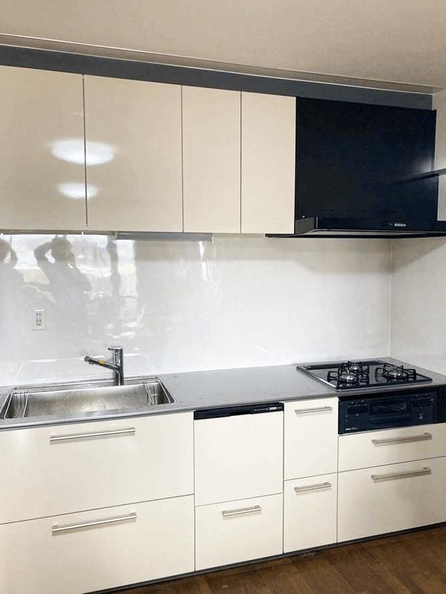 【5】キッチンパネル工事、システムキッチン組立設置