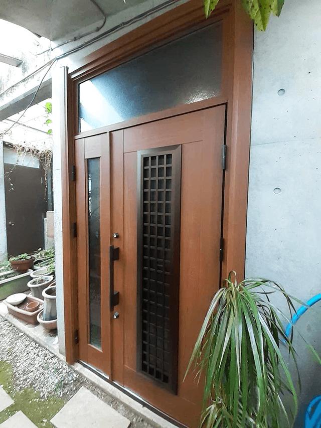 玄関ドア After写真