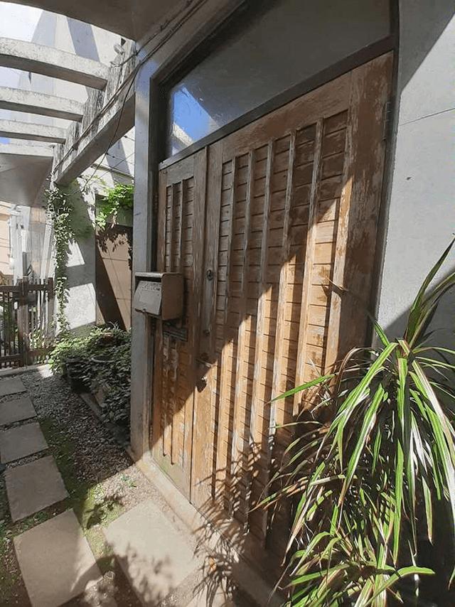 玄関ドア Before写真