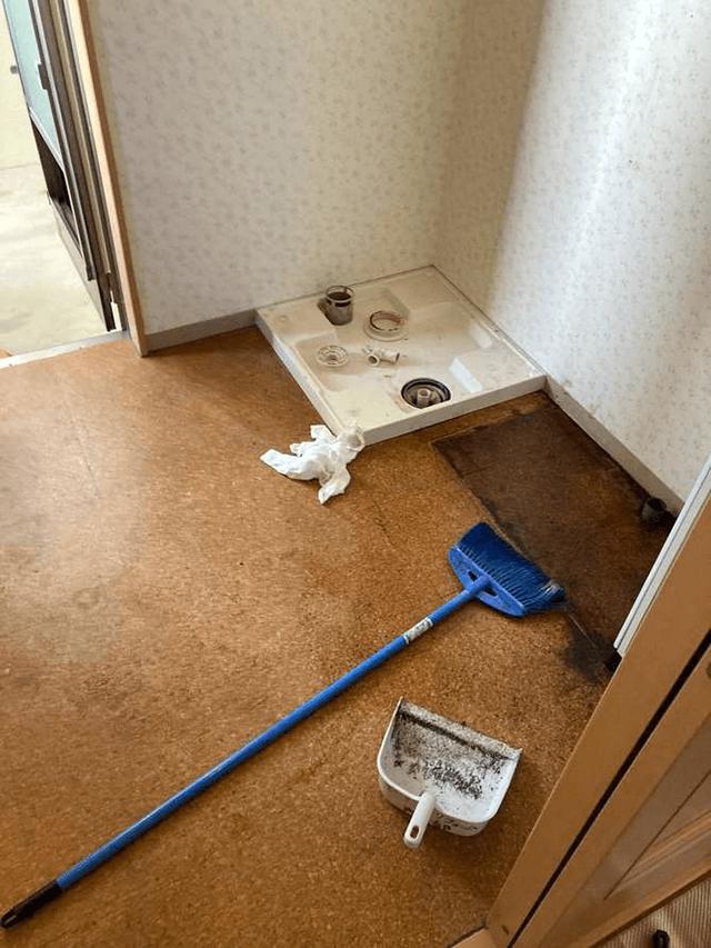 【2】既存洗面化粧台解体撤去工事